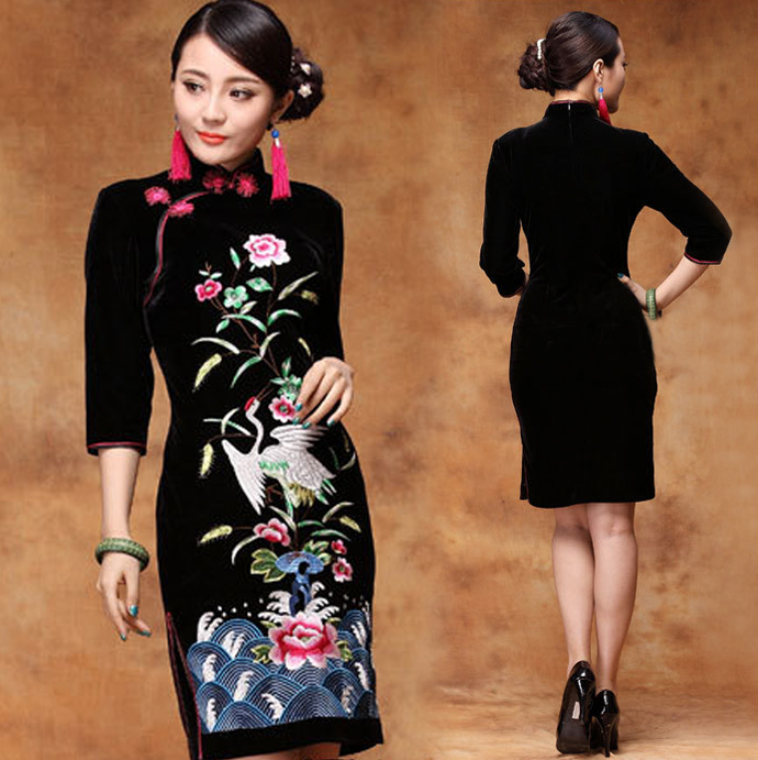 Black Crane Floral Dress : Always In Fashion For All Occasions