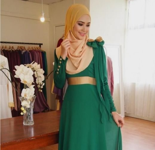 emerald-and-gold-dress-make-you-look-like-a_1.jpg