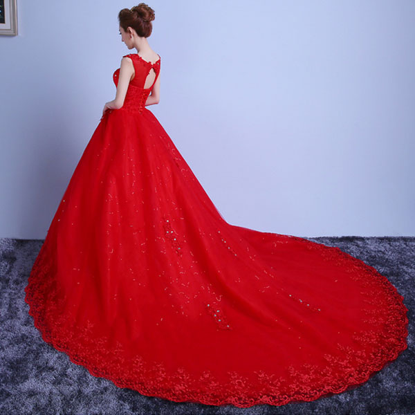 Floor Length Red Lace Dress : How To Get Attention