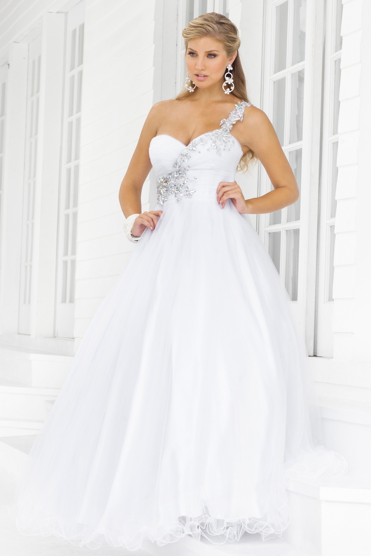 White Plus Size Dresses For Graduation & Beautiful And Elegant ...