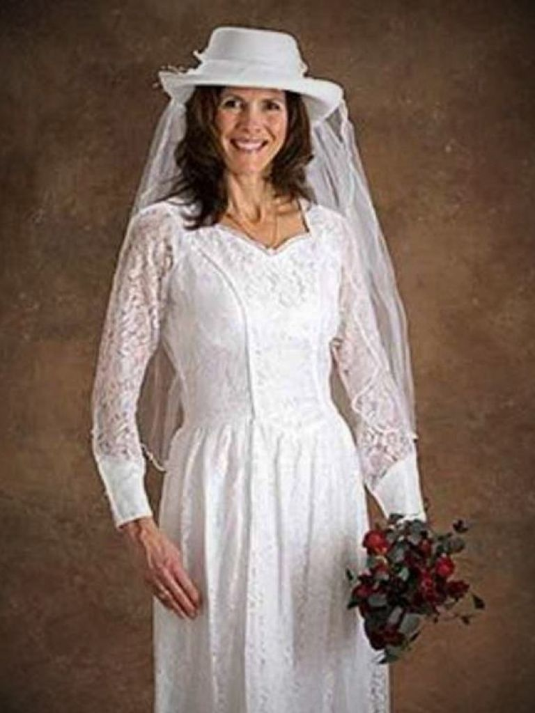 Western Style Wedding Dresses With Cowboy Boots