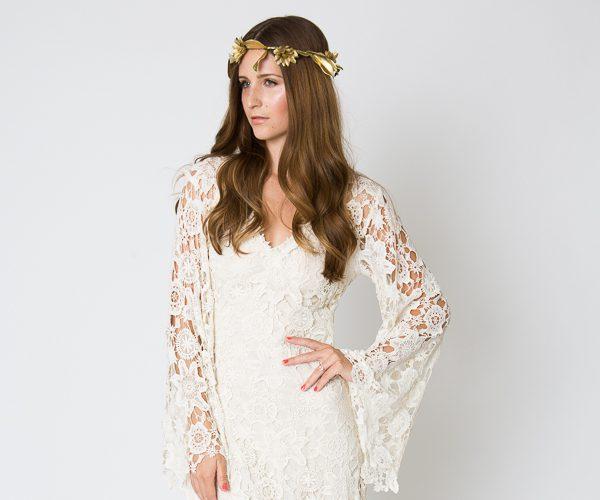 bell-sleeve-white-lace-dress-look-like-a-princess_1.jpeg