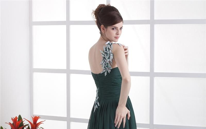 bridesmaid-dresses-forest-green-fashion_1.jpg