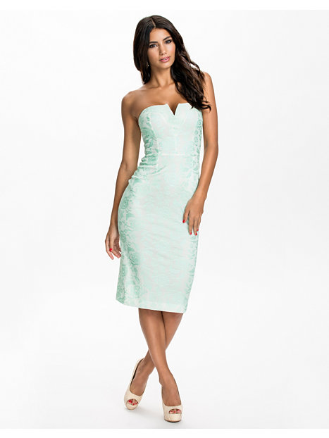 River Island Bandeau Dress : Always In Fashion For All Occasions