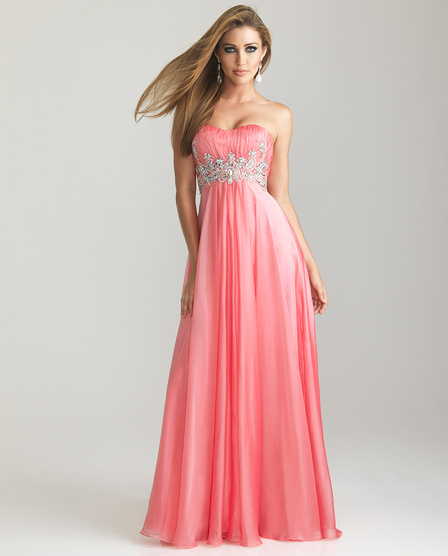 Short Dresses For Short Ladies : Make You Look Like A Princess